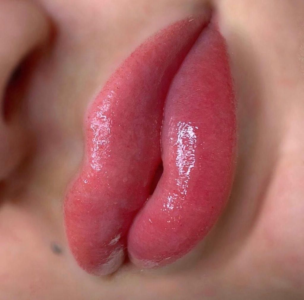 губы нюд акварель