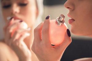 Как выбрать духи: состав и виды парфюмерии