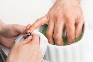 Мужской маникюр и педикюр: как ухаживать за ногтями современному мужчине