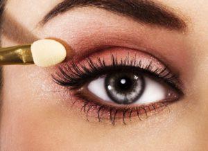 Как красиво красить глаза, чтобы их подчеркнуть
