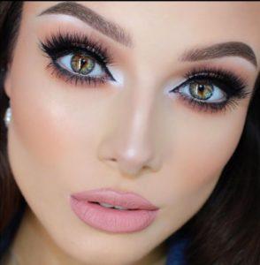 Как сделать глаза выразительными: особенности макияжа