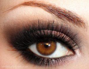 Как выразительно накрасить глаза самой